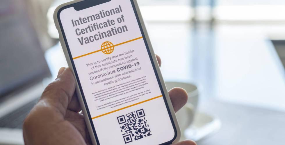 """Los pasaportes de vacunación permanecerán durante un """"futuro previsible"""""""