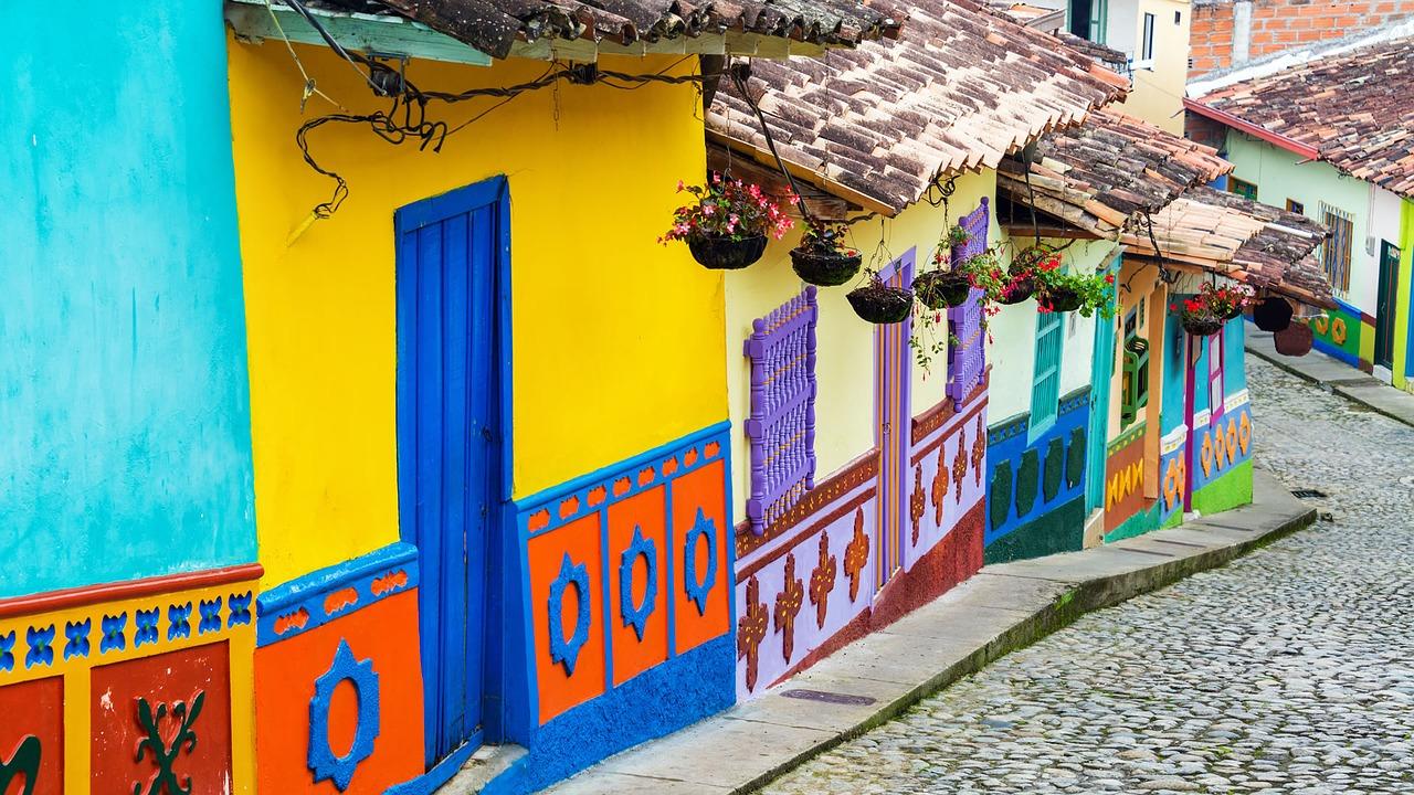 España colabora con Colombia para la conversión de Bogotá en un destino turístico inteligente
